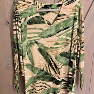 Print v-neck blouse